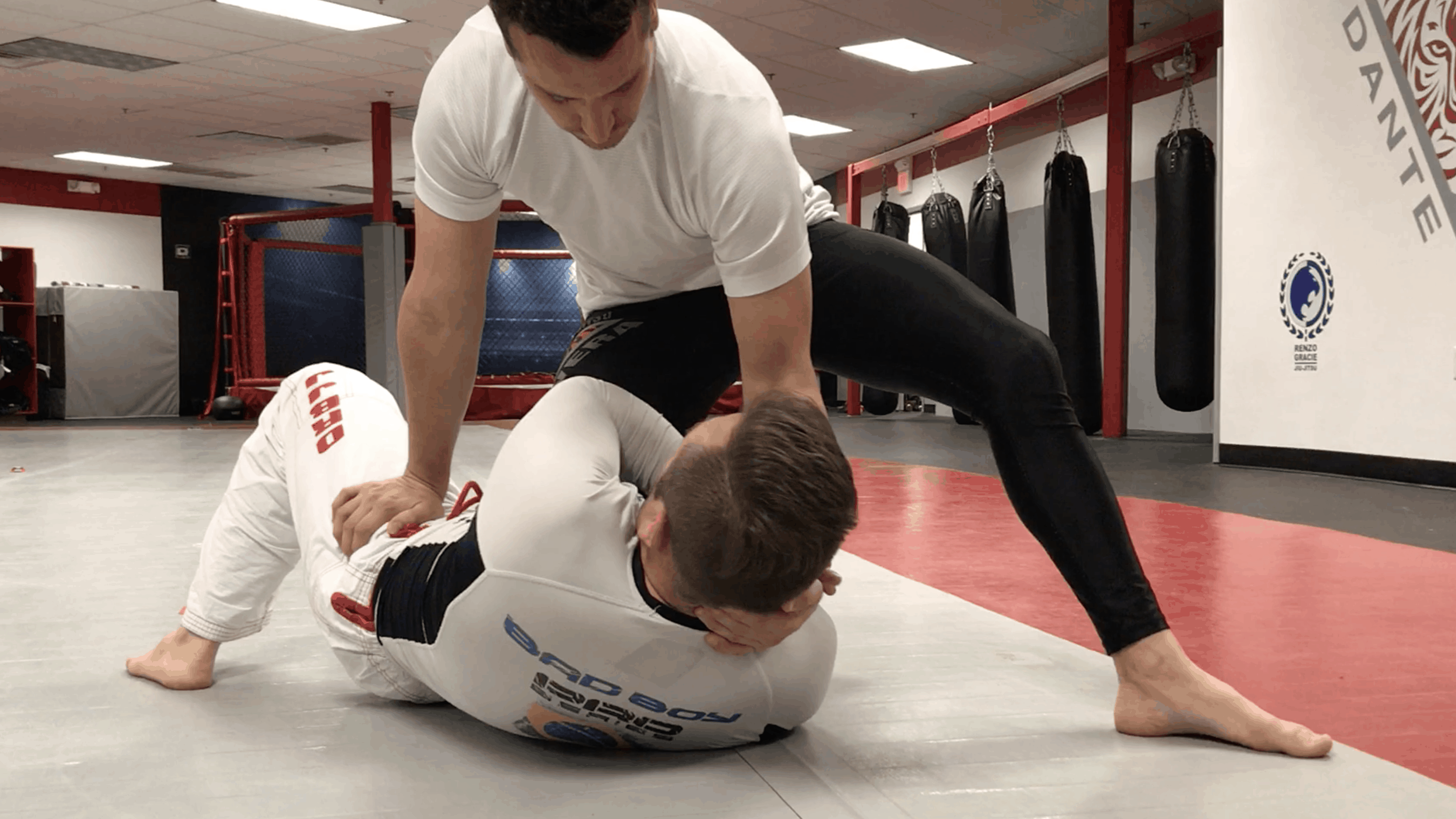 [VIDEO] Easiest Knee on Belly Escape & Defense